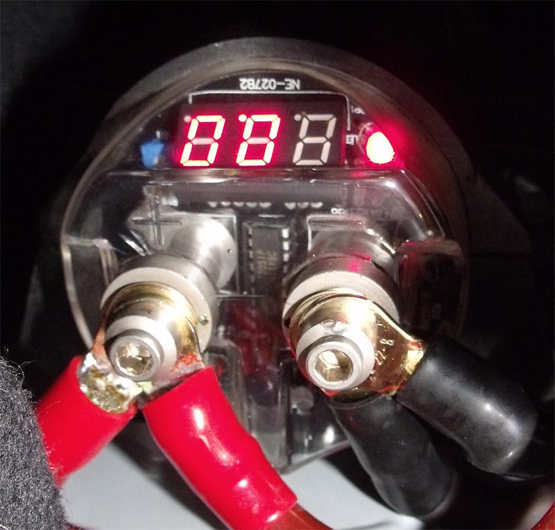 Autóhifi kondenzátor bekötése